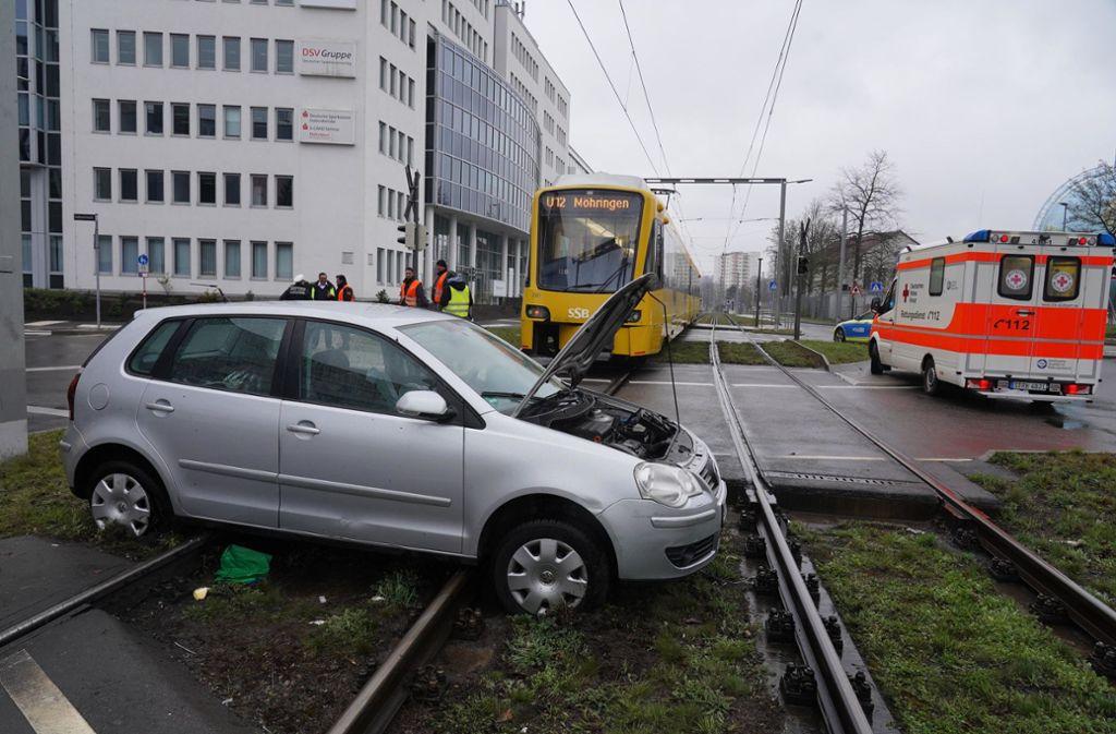 Der Unfall ereignete sich in Stuttgart-Vaihingen. Foto: Andreas Rosar/Fotoagentur-Stuttgart