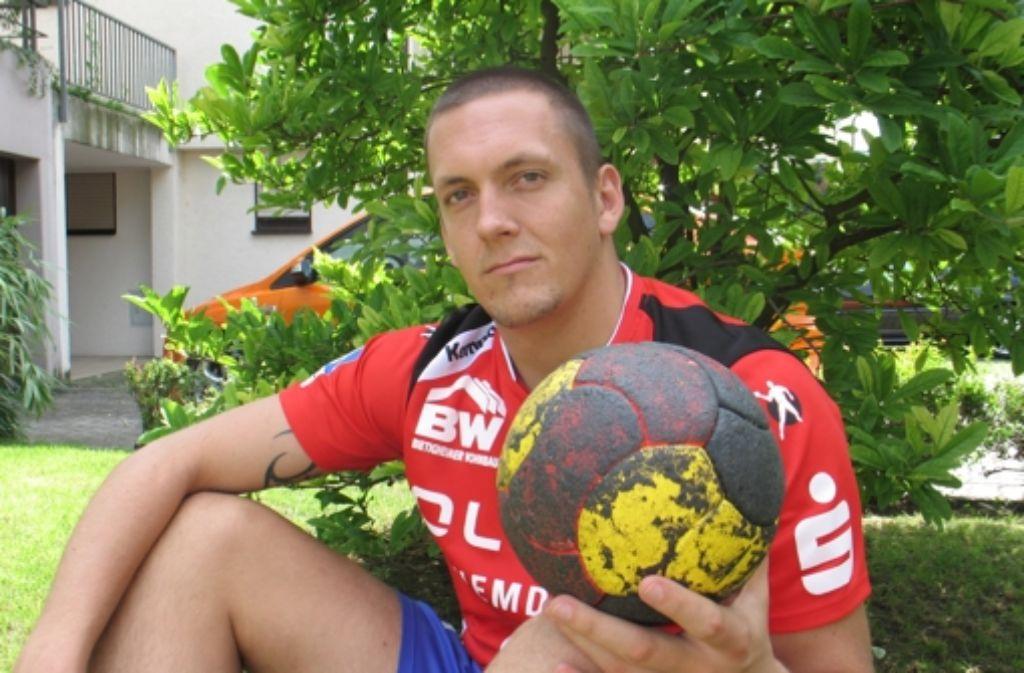 Das Haar ist wieder länger, die Lust am Handball  zurück: Patrick Rothe. Foto: Pfisterer