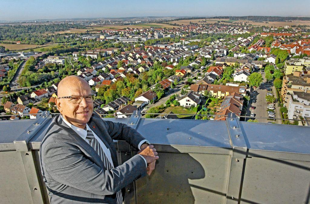 Noch ist Tamm Gemeinde. In wenigen Jahren will der Bürgermeister Martin Bernhard aber in einer anderen Liga spielen. Foto: factum/Bach