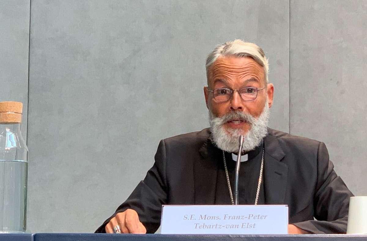 Der ehemalige Limburger Bischof, Franz-Peter Tebartz-van Elst, spricht im Vatikan bei der Vorstellung eines neuen ·Direktoriums für die Katechese. Foto: dpa/Annette Reuther