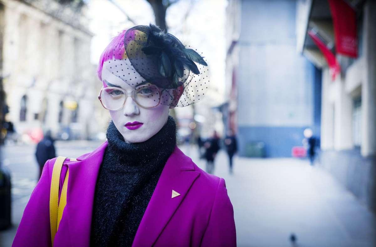 In der Gesprächsrunde geht es um Mode – und alles, was damit zu tun hat. Foto: imago images/Lluís Real