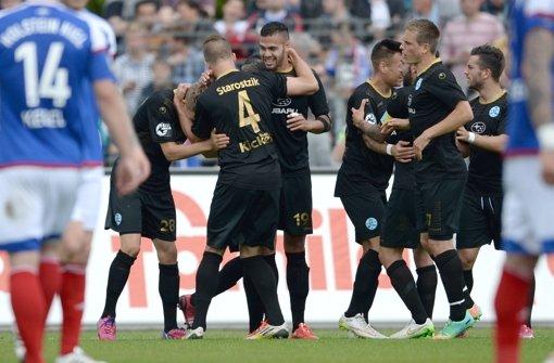 Stuttgarter Kickers gewinnen 2:0 in Kiel