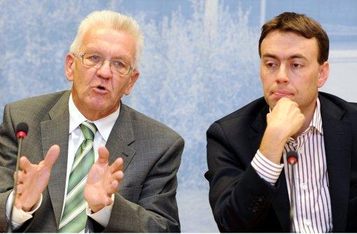 Winfried Kretschmann (Grüne) verkündet am Dienstag, dass sich das Land nicht an den Mehrkosten für die veränderte Variante des Filderbahnhofs beteiligen wird. Die Geschichte des Bahnprojekts dokumentieren wir in der Fotostrecke. Foto: dpa