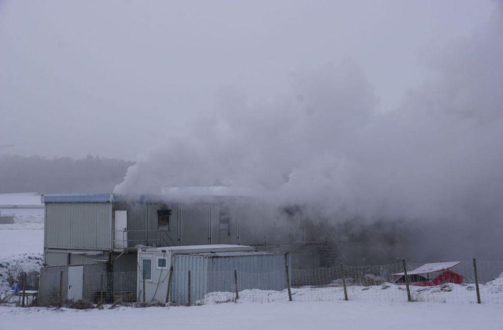 In Hohenstadt kommt es zu einem Brand mehrerer S21-Wohncontainer. Foto: SDMG