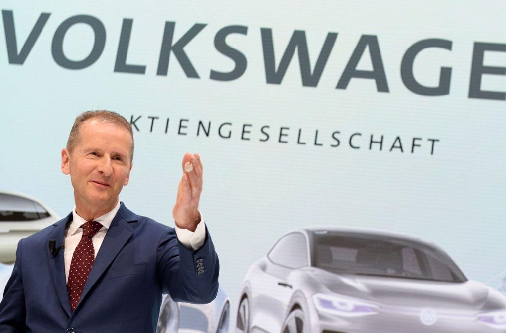 VW-Konzernchef Herbert Diess will mit VW bis 2025 jährlich drei Millionen E-Autos bauen. Foto: dpa