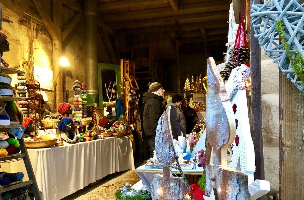 Zum Weihnachtsmarkt in Großhöchberg werden einige  Scheunen zu Kleinkunstmärkten. Foto: Rodenhausen
