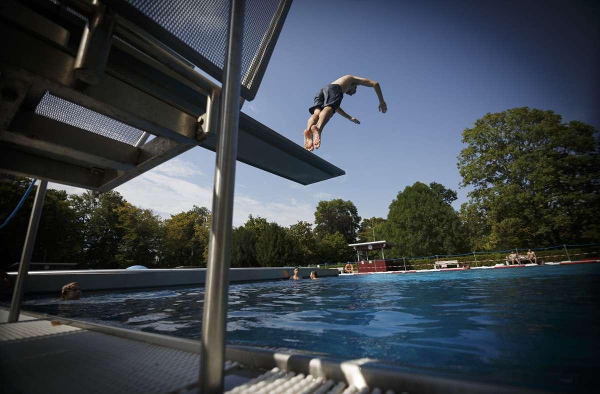 Im Höhenfreibad Killesberg kann noch bis Sonntag geschwommen werden. Foto: Lichtgut/Julian Rettig