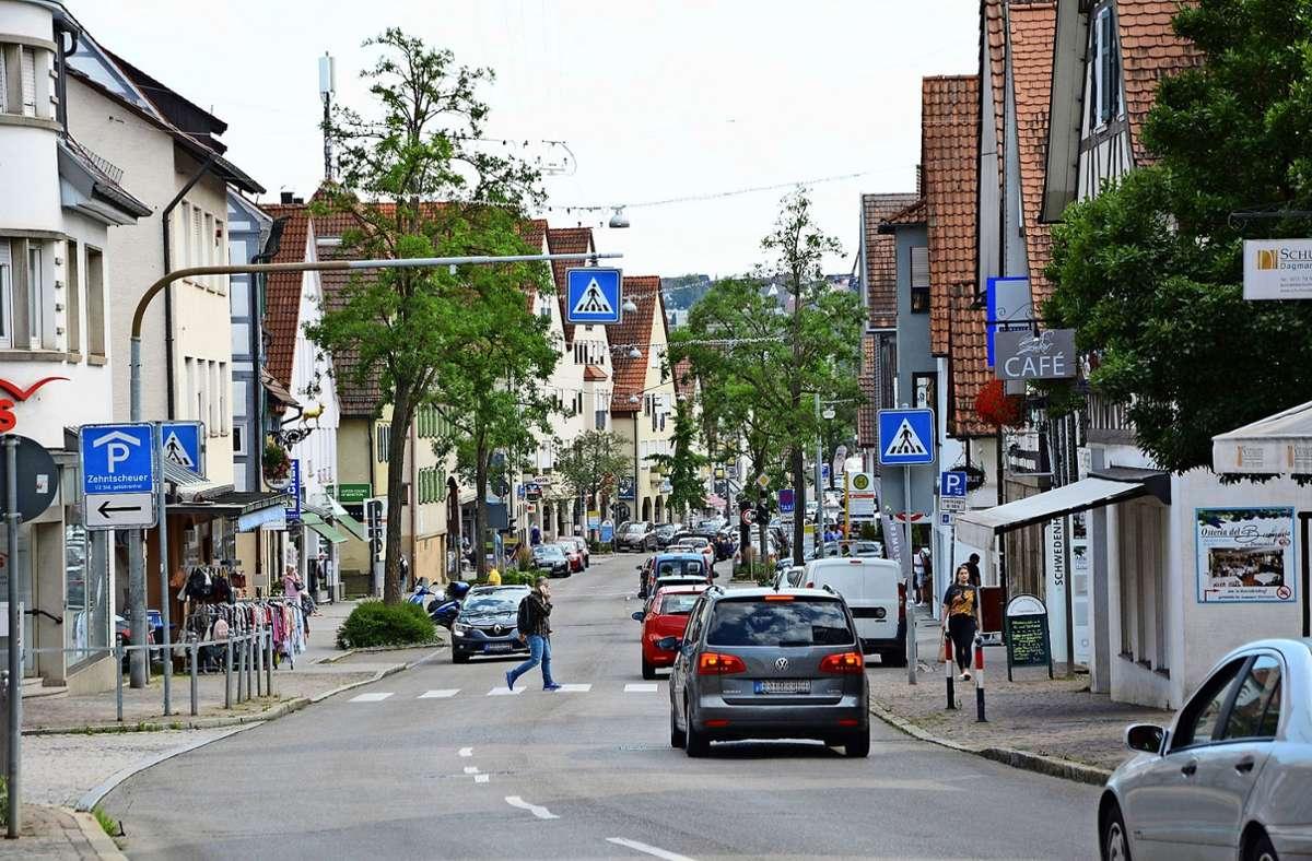 Querungshilfen, wie hier an der Hauptstraße in Echterdingen, sollte es aus Sicht der Verkehrsexperten noch mehr geben in der Stadt. Foto: Philipp Braitinger