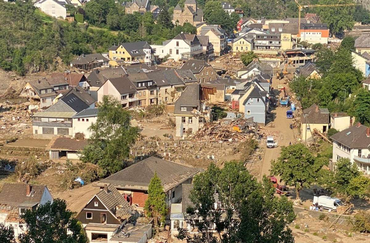 Die Dörfer sind teilweise total zerstört. Foto: Carola Fuchs