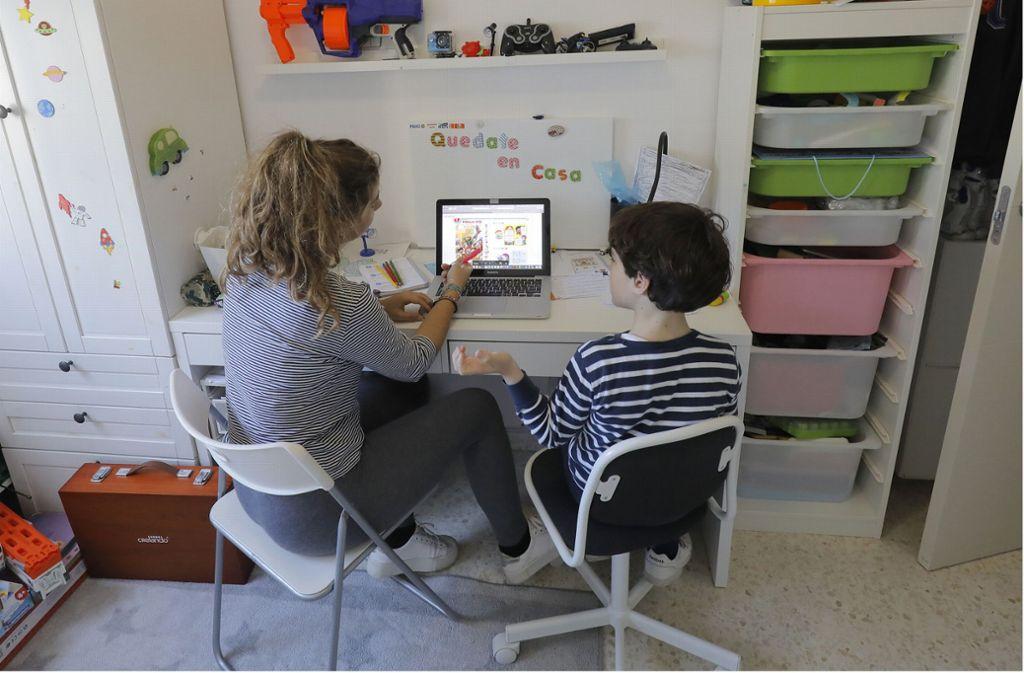 Ihr Kind hat Langeweile? Findige Menschen haben gute virtuelle Angebote ins Netz gestellt. Foto: dpa/Javier Díaz