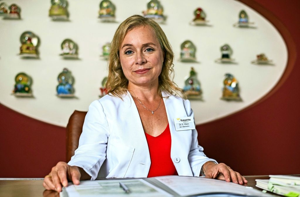 ChrisTine Urspruch als Kinderärztin Dr. Valerie Klein. Foto: dpa