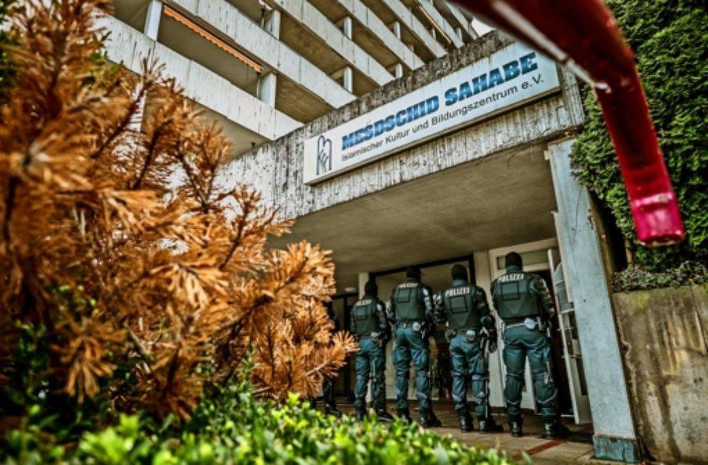 Die Räume des islamistischen Moscheevereins in Stuttgart-Botnang sind am Donnerstag durchsucht worden. Der Verein wurde verboten. Foto: Lichtgut/Max Kovalenko