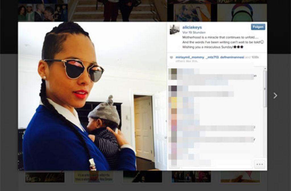 Sängerin Alicia Keys scheint in ihrer Rolle als Mutter voll aufzugehen. Mit diesem Foto entzückte sie am Wochenende auf Instagram die Fans. Foto: Instagram/aliciakeys