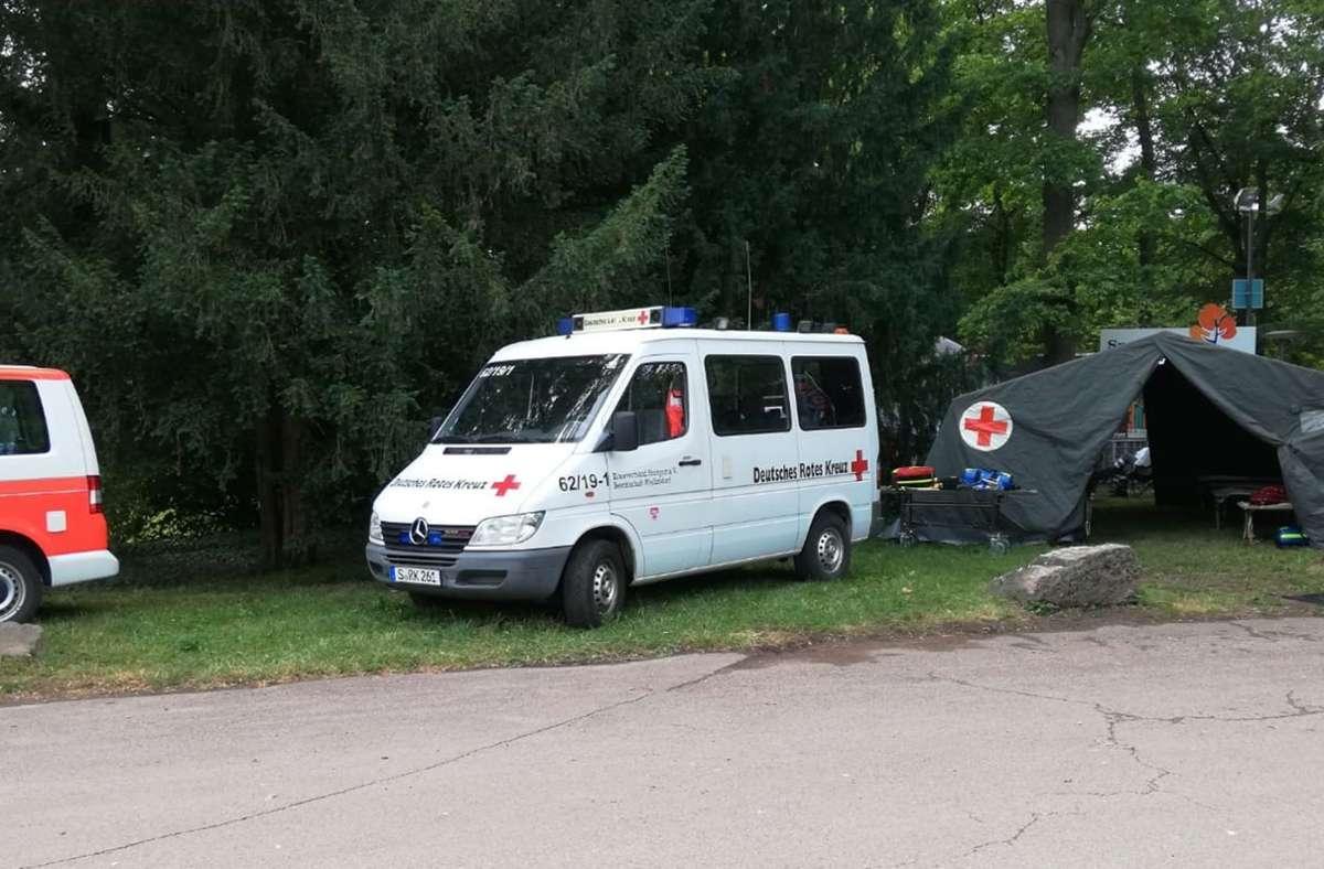 Der alte   Mannschaftstransportwagen  bekommt keinen Tüv mehr. Für eine Neuanschaffung hat der Bezirksbeirat einen stattlichen  Zuschuss bewilligt. Foto: DRK Weilimdorf (z)