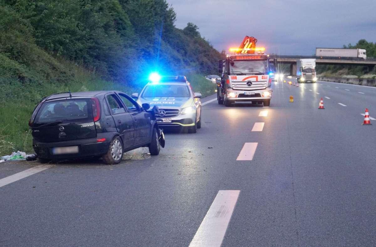 Wegen eines Reifenplatzers hatte der 57-Jährige die Kontrolle verloren. Foto: SDMG