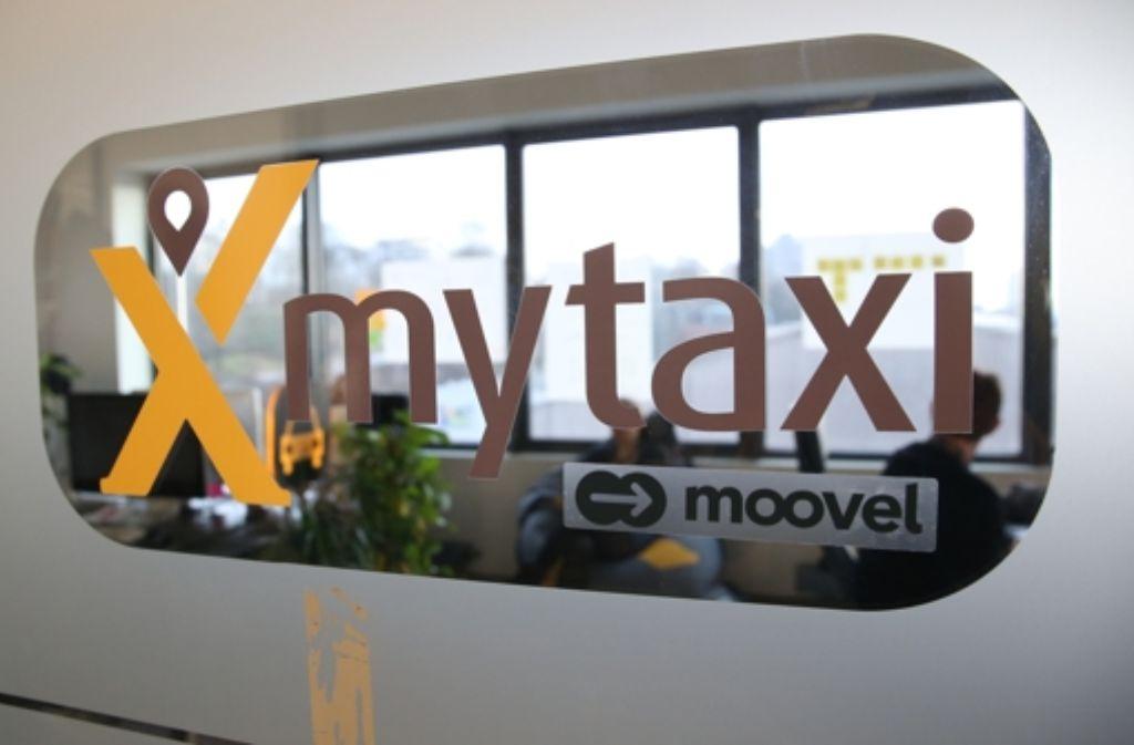 My Taxi, ein Angebot einer Daimler-Tochter, muss mit seinem Start up mit einer Niederlage im Streit mit der Stuttgarter Taxizentrale rechnen. Foto: dpa