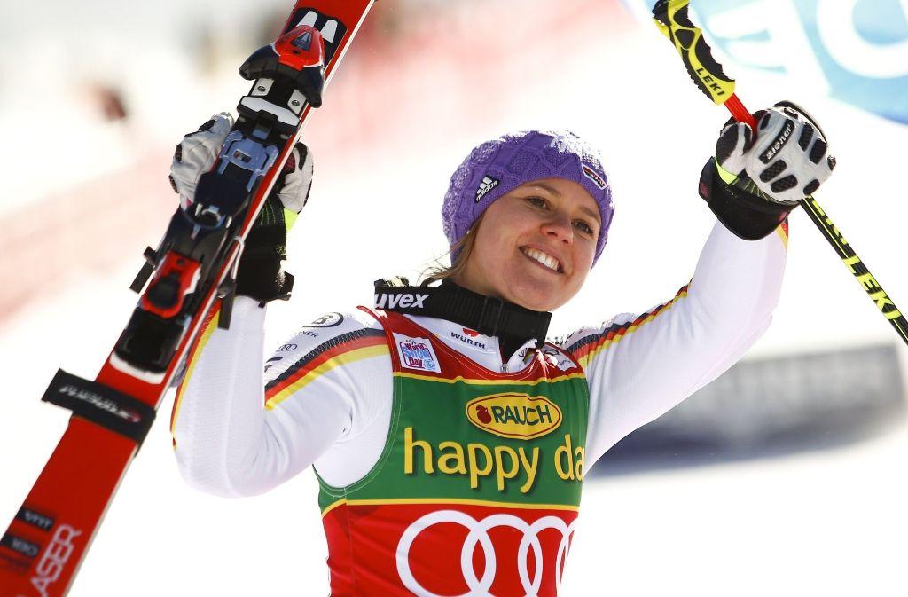 Freude bei Viktoria Rebensburg Foto: AP