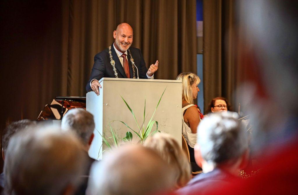 Voll des Lobes für das ehrenamtliche Engagement: Oberbürgermeister Martin Georg Cohn. Foto: factum/Simon Granville