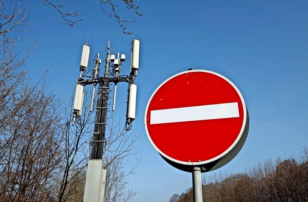 Mobilfunkmaste sind wichtig, aber auch sehr umstritten. Foto: Horst Rudel/Archiv