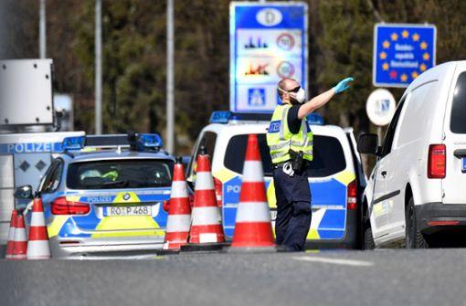 Regierung bereitet in einigen Regionen Grenzkontrollen vor