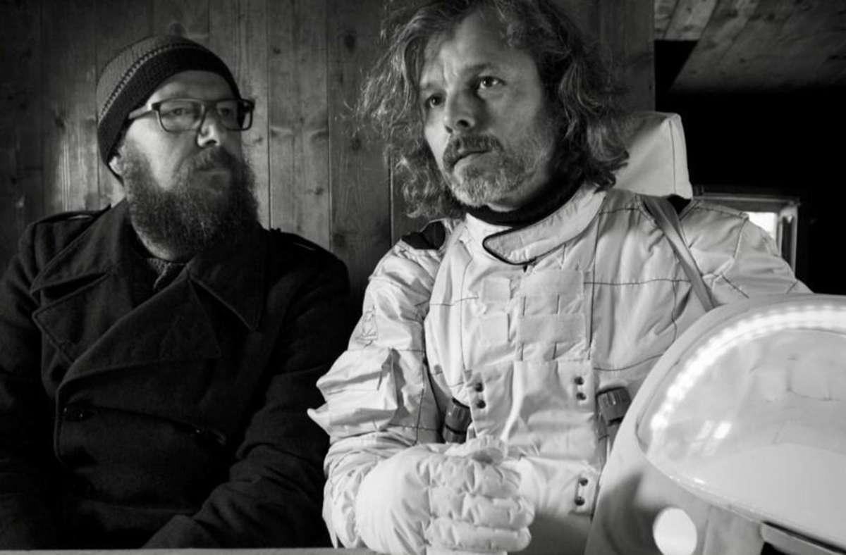 """Sebastian Horn (links) und Gerd Baumann in """"Dreiviertelblut – Weltraumtouristen"""" Foto: Südkino Filmproduktion"""