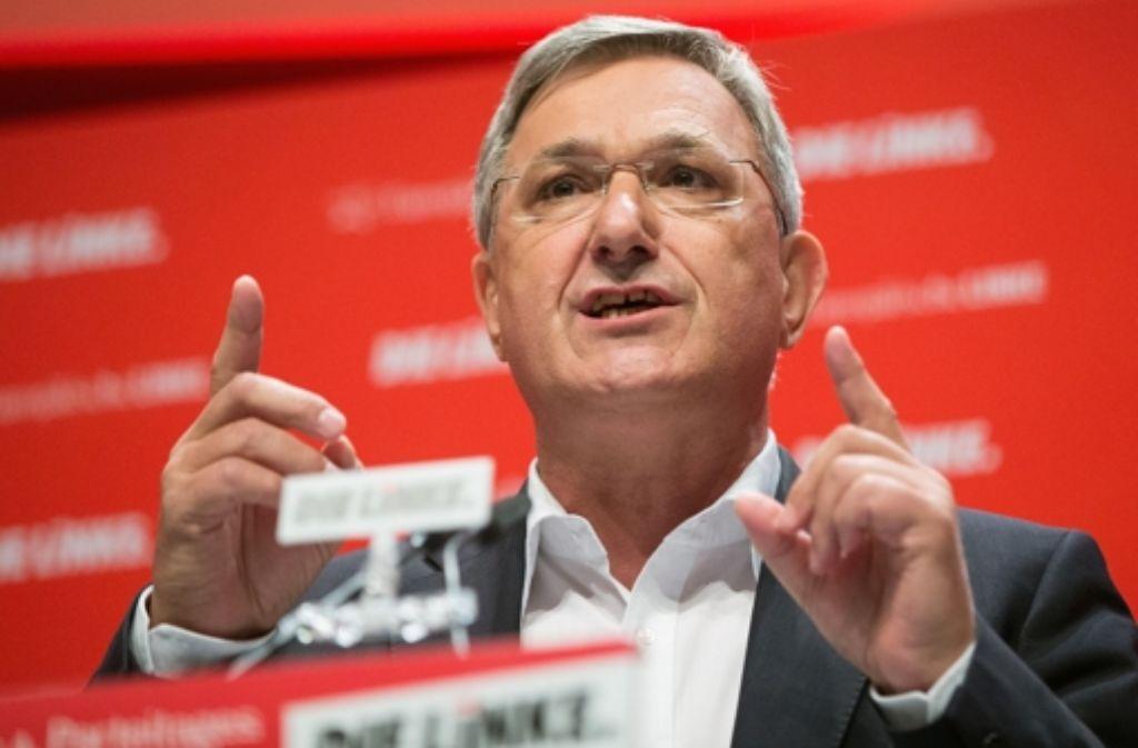 Zusammen mit Sabine Leidig forderte Parteichef Bernd Riexinger am Dienstag  auf einer Pressekonferenz in Stuttgart einen Untersuchungsaussschuss des Bundestags zu Stuttgart 21. Foto: dpa