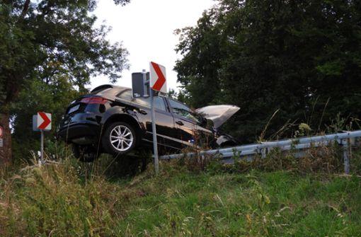 Auto gerät auf Gegenfahrbahn - sechs Schwerverletzte