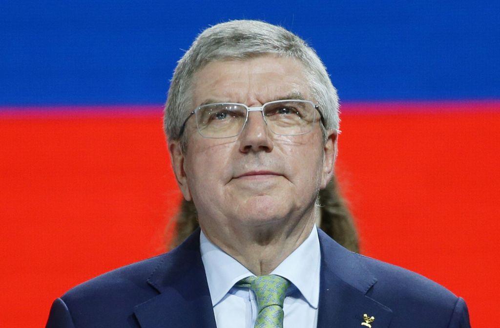 IOC-Präsident Thomas Bach bei seinem Besuch der Turn-WM in Stuttgart Foto: Baumann