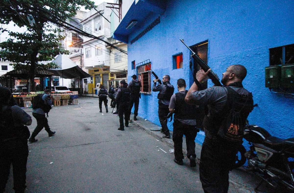 Die Razzia in dem Armenviertel Jacarezinho richtete sich gegen Drogenhändler. Foto: dpa/Jose Lucena