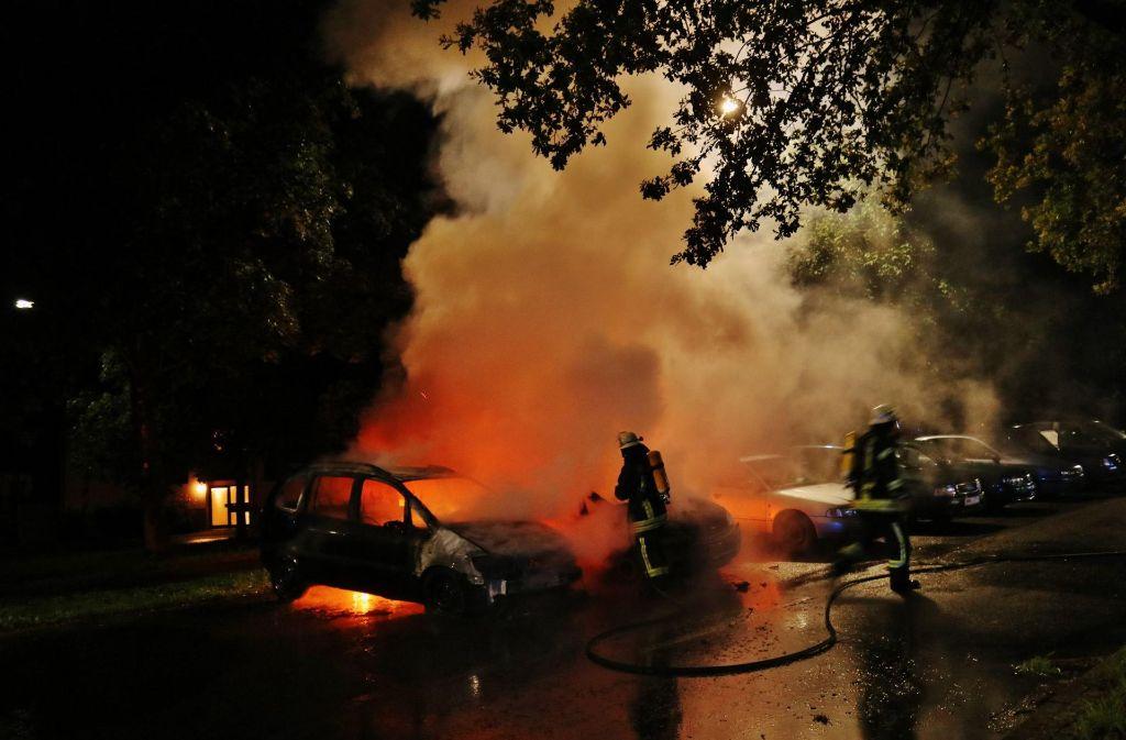 Die Feuerwehr wurde gegen 22.15 Uhr zu dem Brand in der Benzstraße gerufen. Foto: 7aktuell.de/Kevin Lermer