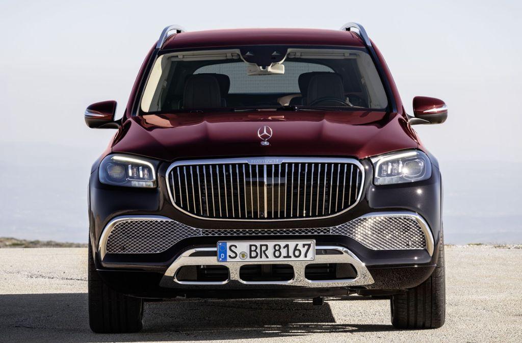 Der 2,8 Tonnen Wagen beschleunigt binnen 4,9 Sekunden von 0 auf Tempo 100 und erreicht bis zu 250 km/h. Foto: Daimler AG