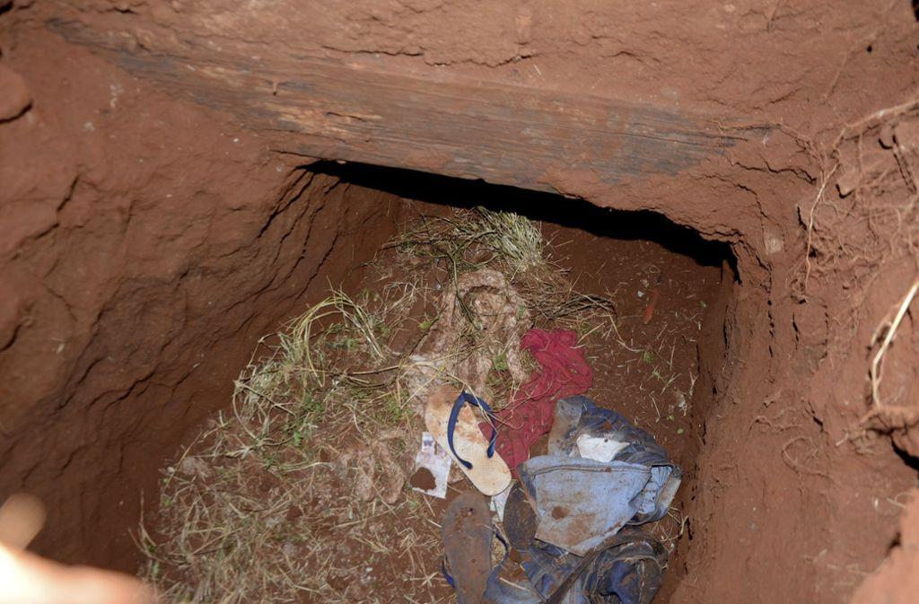 Durch diesen Tunnel flüchteten die Häftlinge. Foto: AP/Marciano Candia