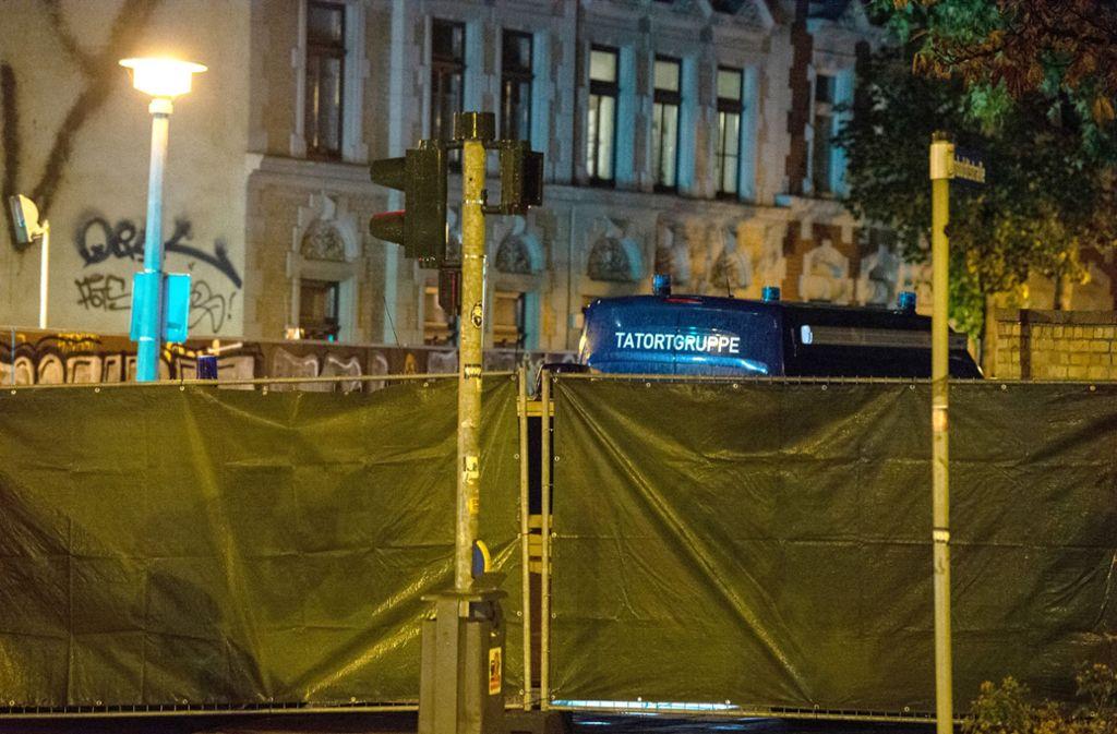 Der Zentralrat der Juden erhebt derweil schwere Vorwürfe gegen die Polizei. Foto: dpa/Swen Pförtner