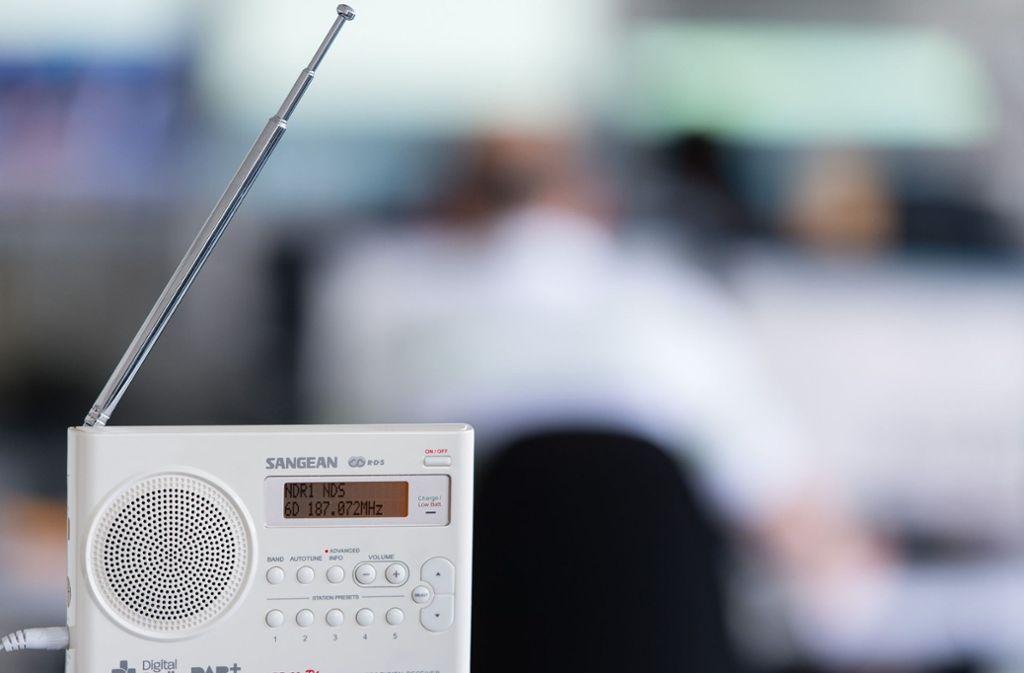 Am kommenden Mittwoch droht UKW-Sendern eine Zwangsabschaltung. Foto: dpa