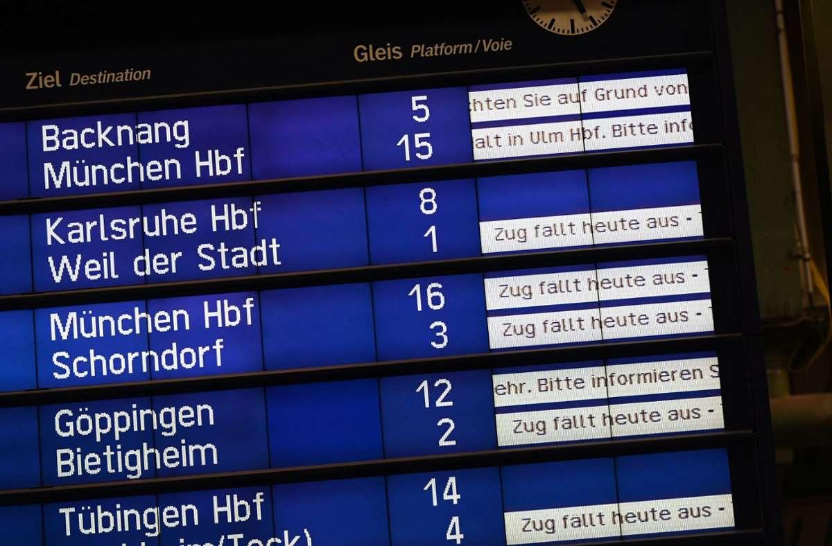 Viele Züge fallen bis Montag, 6. September, aus. Die S-Bahnen fallen nur größtenteils weg, nicht komplett. Foto: dpa/Bernd Weißbrod