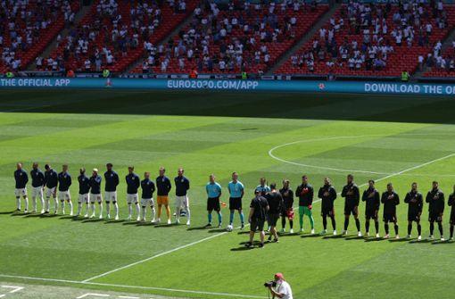 Fan stürzt von Tribüne im Wembley-Stadion - schwer verletzt