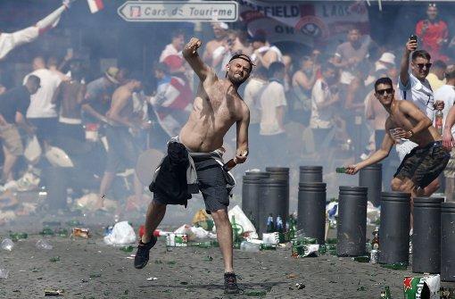 Erneut schwere Hooligan-Ausschreitungen in Marseille