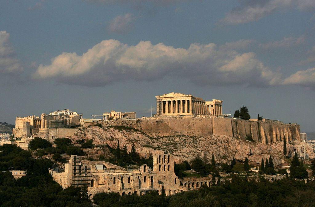 Die Akropolis lockt nach wie vor zahlreiche Touristen nach Athen. Viele von ihnen buchen ihre Ferienwohnungen über Online-Portale – mit fatalen Folgen für die Einheimischen. Foto: dpa