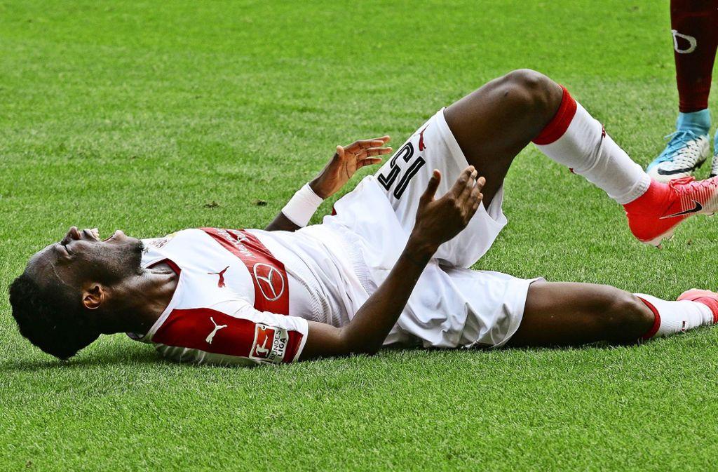 Die Leidenszeit wird länger: Carlos Mané fehlt dem VfB Stuttgart bis Saisonende. Foto: Baumann