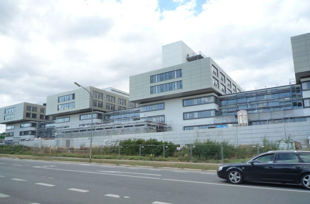 Noch in diesem Jahr soll die neue Heilbronner Klinik fertig werden. Sie kostet 310 Millionen Euro. Foto: Fritz-Kador
