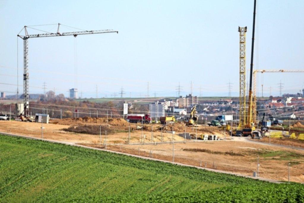 115 neue Gebäude entstehen zurzeit am nördlichen Ortsrand von Hemmingen –  auch etliche Mehrfamilienhäuser. Foto: factum/Granville