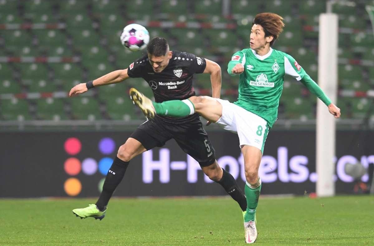 Konstantinos Mavropanos und der VfB Stuttgart holten in Bremen drei Punkte. Foto: dpa/Carmen Jaspersen