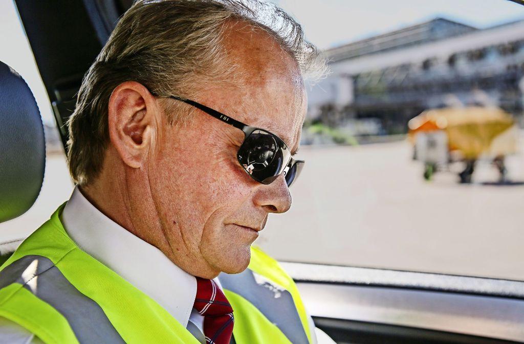Uwe Rücker ist Verkehrsleiter vom Dienst am Stuttgarter Flughafen. Foto: Siri Warrlich
