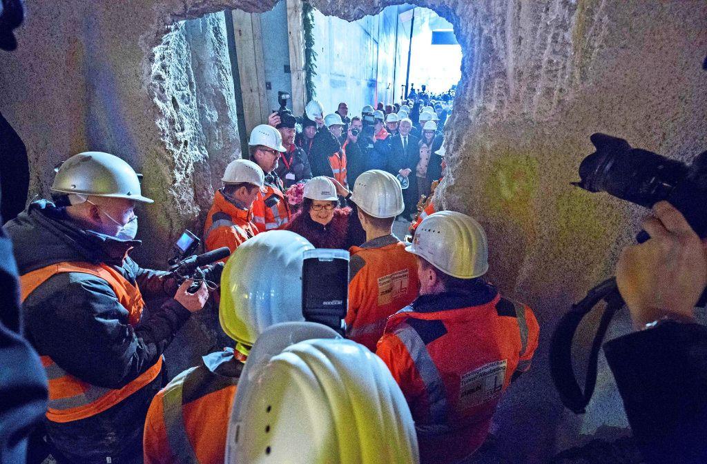 Ende November erreichten die Mineure Ulm. Der Tunnel führt auch unter dem Grund eines Besitzers hindurch, der sich gegen den Bau gerichtlich wehrte. Foto: Michael Steinert