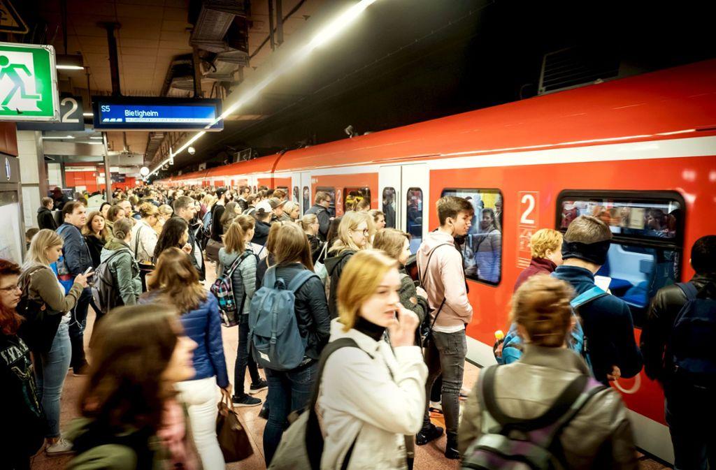 Ein gewisser Prozentsatz der Fahrgäste in den Bahnen hat kein Ticket. Foto: Lg/Zweygarth