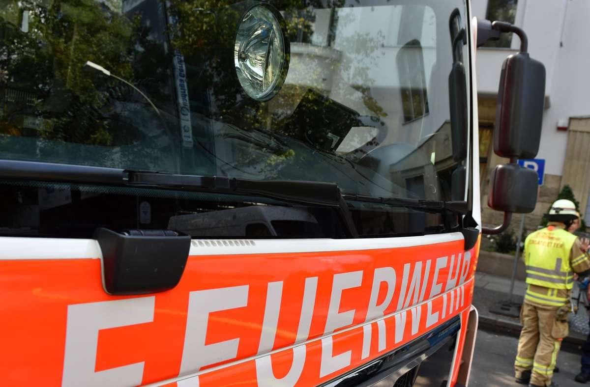 Die Feuerwehr konnte den Brand schnell löschen. (Symbolbild) Foto: picture alliance / dpa/Jens Kalaene
