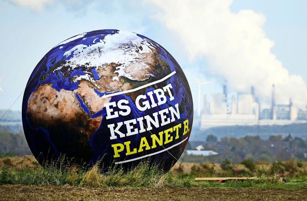Immer mehr Städte rufen den Klimanotstand aus – als Signal, dass herkömmliche Maßnahmen nicht reichen. Foto: dpa/Ina Fassbender