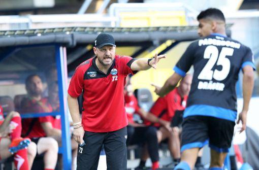 Erster Bundesliga-Trainer sieht gelbe Karte