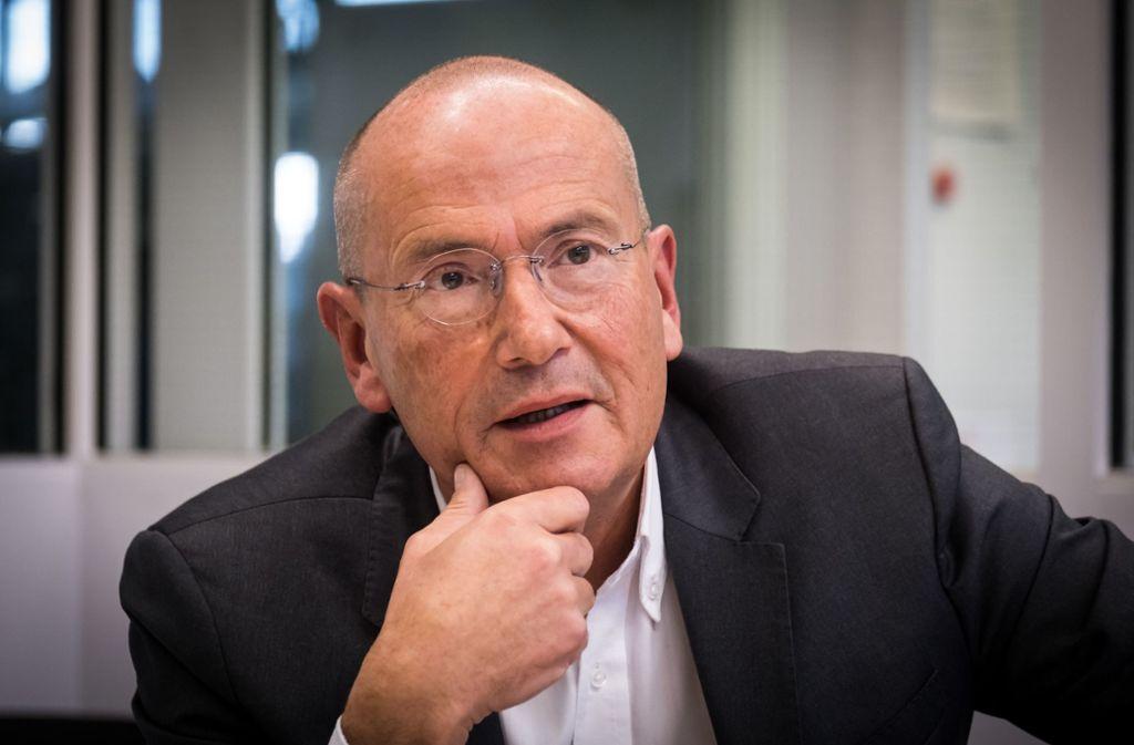 """Der regionale Wirtschaftsförderer Walter Rogg macht auch in der Krise Mut: """"Unsere Stärken bestehen weiter."""" Foto: Lichtgut/Achim Zweygarth"""