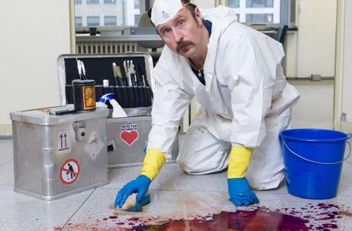 Schotty putzt das letzte Blut weg